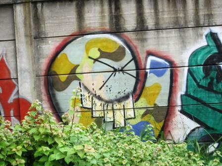 Grafiti Tepi Rel Poris 8