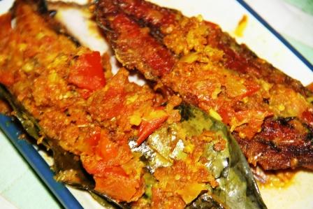 Resep Masakan: Ikan Pindang Bumbu Tomat  Ala Jineng.