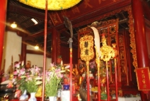 Ngoc son Temple 11