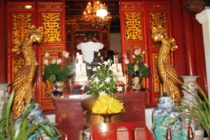 Ngoc Son temple 6