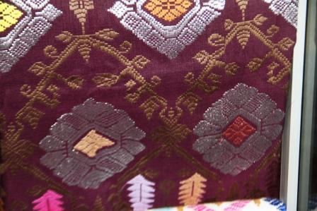 Cuci Mata: Motif Dan Trend Terkini Kain Songket Bali. (1/6)