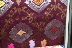 Kain Songket  Bali- benang perak dan emas 2