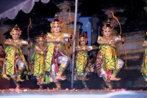 Sekaha Gong Kebyar Giri Kusuma, Desa Pekraman Sulahan  Bangli - Tari Oleg Kagia