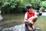 Bermain di Sungai 10