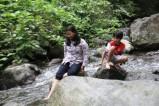 Bermain di Sungai 6
