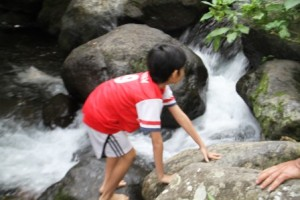 Bermain di Sungai