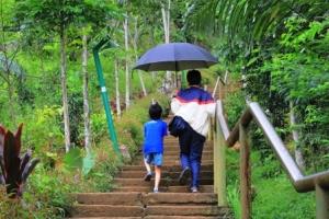 Mendaki Gunung Padang