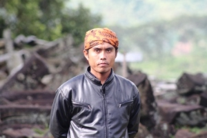 Pak Yusuf, Pemandu Gunung Padang.