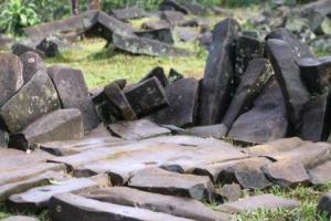 Situs Gunung Padang = Altar