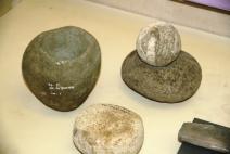 Artefak dari batu