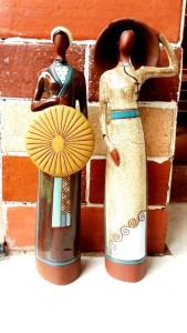 Patung Keramik Wanita Vietnam.