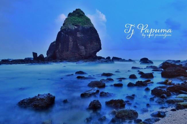 Tanjung Papuma. Foto milik Wasti Priandjani.
